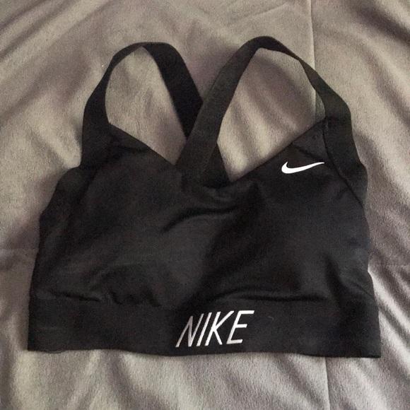 3be086b62e01d Nike Women s Indy Logo Back Sports Bra. M 5b3bc0a7de6f623bcc0f979c